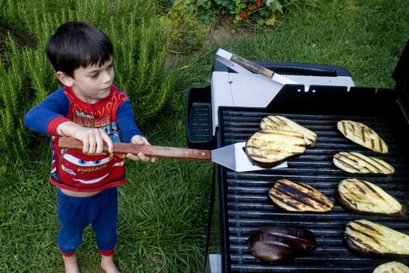 photo credit: natural born griller (kid chef) via photopin (license)